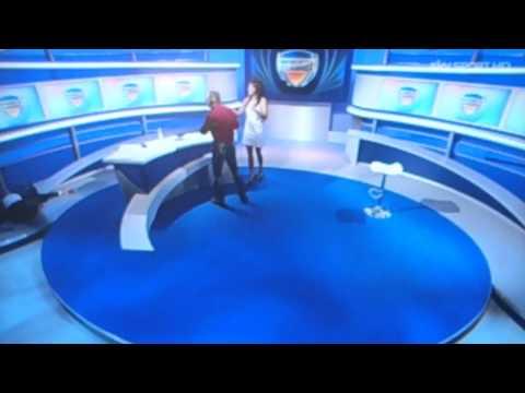Stefano De Grandis cade in studio