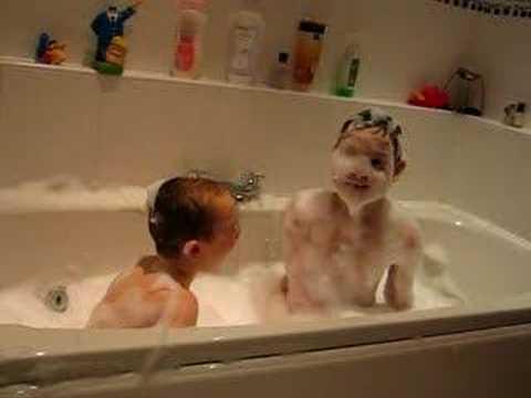 Alex & Cam in the Bubble Bath - YouTube