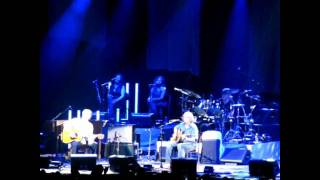 CAN'T FIND MY WAY HOME Eric Clapton & Steve Winwood Paris Bercy 2010 may 25