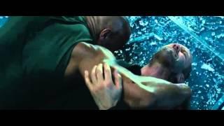 Màn solo giữa The Rock và Jason Statham