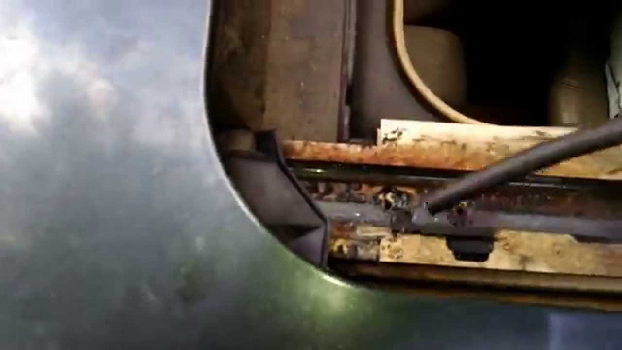 Ranch Jeep >> Easy way to clean sunroof drains - YouTube