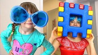 Nastya Play и Мама играет в большой игрушечный конструктор