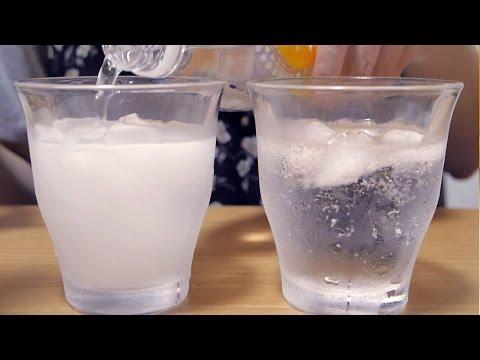 [ASMR] 飲み物をグラスに注ぐ、飲む、混ぜる音、氷の音 Drinking, Ice Cubes & Soda [囁き声-Whisper]