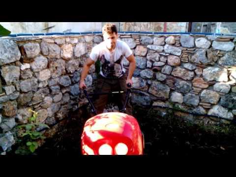Σκάψιμο κήπου με Σκαπτικό πετρελαίου 10 hp.