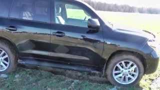 Toyota Land Cruiser 200 Diesel тест обзор(Автомобиль зависть миллионов, оплот буржуазии, вызывающий социальный гнев, машина нагнетающая страх на..., 2014-03-09T23:50:14.000Z)
