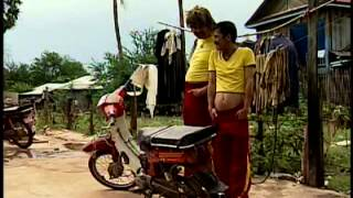 Repeat youtube video Khmer Comedy: ពាលស៊ីពាល ( Pil Si Pil ) 1/2
