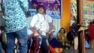 Download Video રોહિત ઠાકોર નો romantic dance ચરાડુ 2018 yashvi digital studio MP3 3GP MP4
