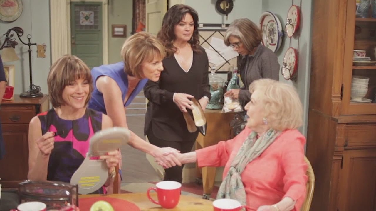 Download Behind the scenes of Hot in Cleveland
