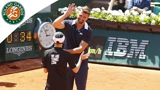 Goran Ivanisevic moves into ball kid mode - 2015 French Open