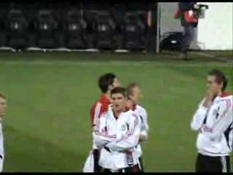 Beşiktaş Liverpool(Liverpool Zemine Bakmak Için çıkıyor)