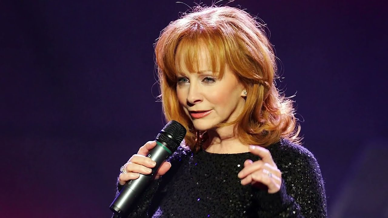 Reba McEntire Lives With This Kenny Rogers Regret