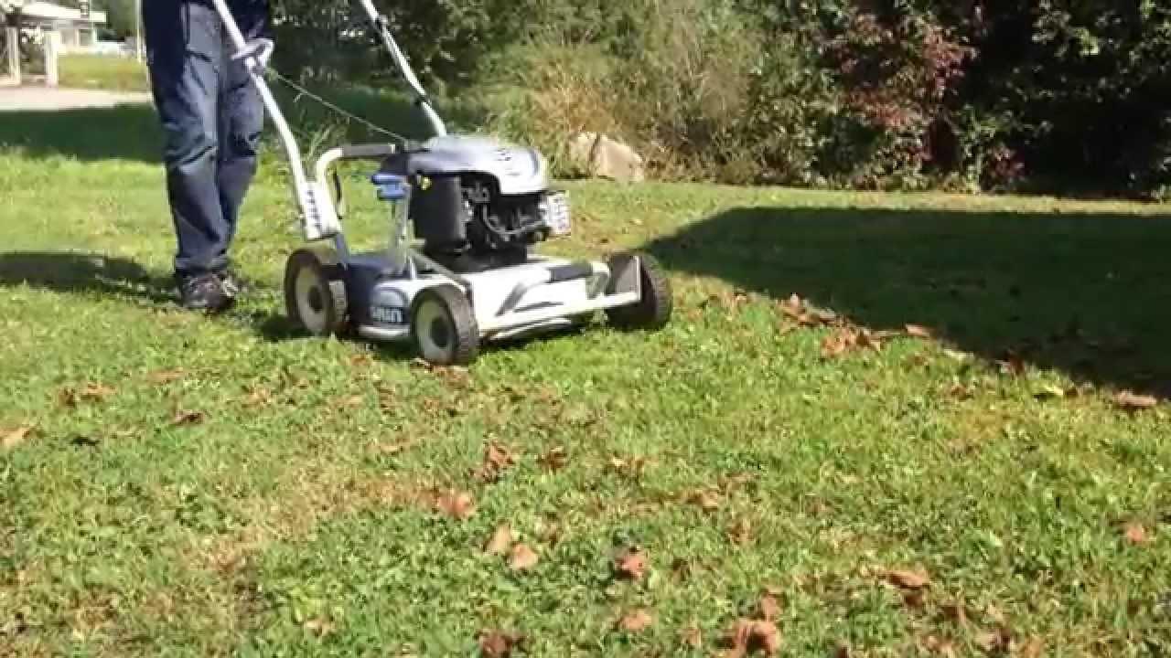 Essai tondeuse grin qui broie les feuilles youtube for Broyeur de feuilles mortes
