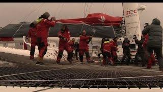 Francis Joyon sets 40 day round-the-world sailing record