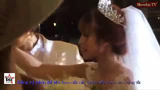 """Cận cảnh Kelvin Khánh hôn Khởi My """"hụt hơi"""" trong đám cưới lãng mạng"""