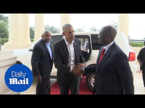 Barack Obama arrives in Nairobi to meet with the Kenyan president - Daily Mail