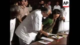 INDIA: OPPOSITION LEADER SONIA GANDHI STEPS DOWN
