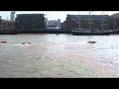 CRHnews - Five RNLI ribs race up River Thames eve Diamond Jubilee