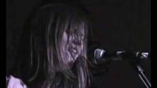 Watch Juliana Hatfield Running Out video