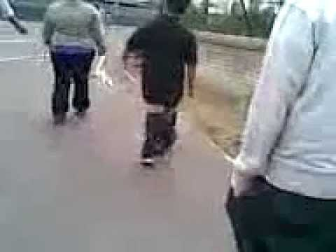 Gangsters pants fall off - YouTube
