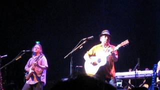 Paul Simon: Train in the Distance: Paris 2008