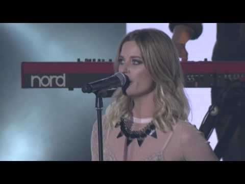 "Gin Wigmore ""Written In The Water"" at the VNZMA's 2015"