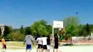 فنان حريف كرة سلة  -  Professional basketball