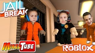 we play Jail Break on Roblox with Pau