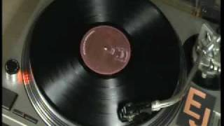 Penguin At The Big Apple/Zing Went The Strings OF My Heart (Medley) - The Trammps - HQ