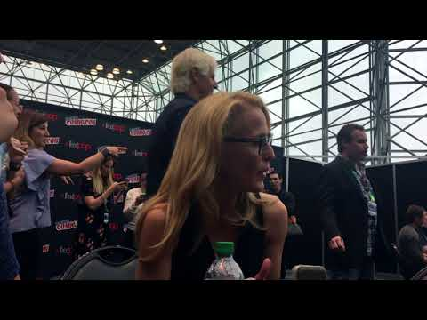 with XFiles Gillian Anderson At New York Comic Con