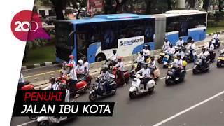 Download Video Ratusan Vespa Meriahkan Pawai Obor Asian Games Jakarta MP3 3GP MP4