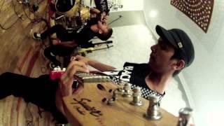 BABAKBUNYAK - Slogan Sialan (live at RAW studios)