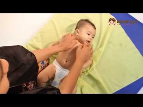 Simple daily baby massage - mom n jo