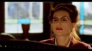 8 женщин песня: Message Personnel - Isabelle Huppert