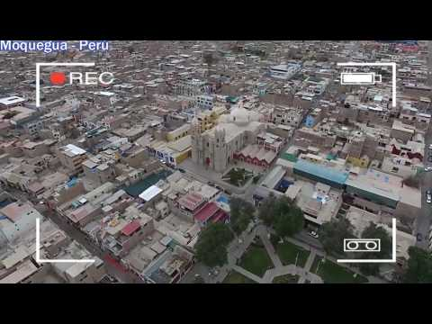Perú - Moquegua - Ciudad - from the air