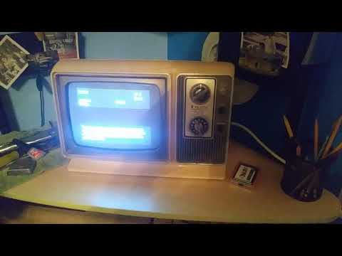 1980 zenith AC/DC black and white television
