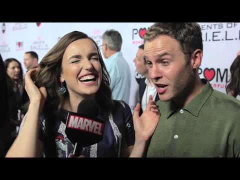 Iain de Caestecker & Elizabeth Henstridge – Marvel's Agents of S.H.I.E.L.D. on the Red Carpet