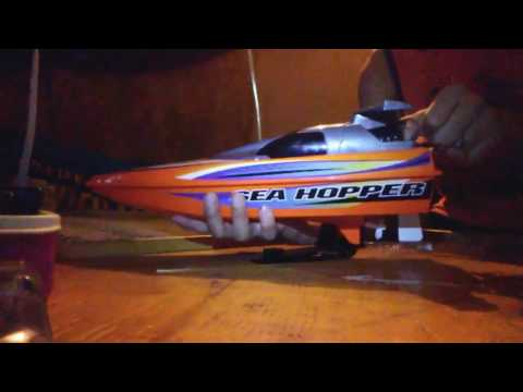 (Unboxing)rc boat from Radioshack🚤