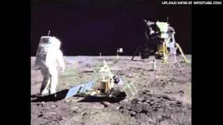 L.E.S. & Frankie Gada - Walking On The Moon (Original Radio Edit)