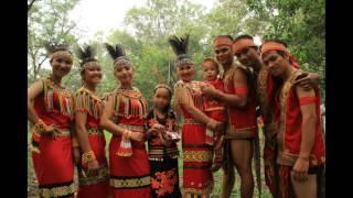 Download lagu Lirik Borneo Menari MP3
