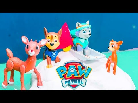 PAW PATROL Nickelodeon Everest + Chase Help Santa Clause and Rudolph Toys Video Parody