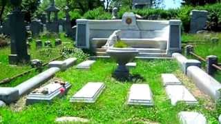 Houdini's Grave - in a spooky, neglected cemetery