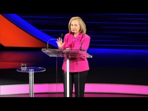 Why Hillary Clinton and America's Powerful Women Wear This Designers' Suit