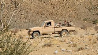 أخبار عربية | قوات الشرعية تبدأ عملية عسكرية لاستعادة الحديدة