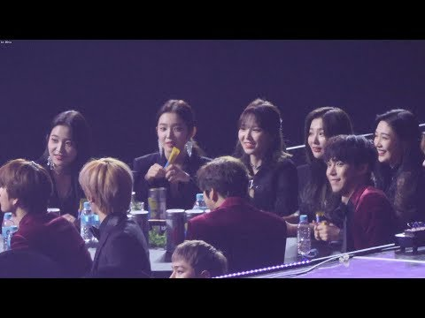 190115 레드벨벳(Red Velvet) - NCT127 본상 수상 축하,소감듣는 [4K] 직캠 (2019 서울가요대상) by Mera