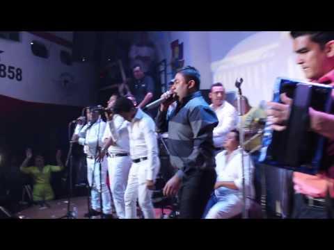 Video del Churo Diaz y Elias Mendoza La Santa en la discoteca Trucupey - Barranquilla