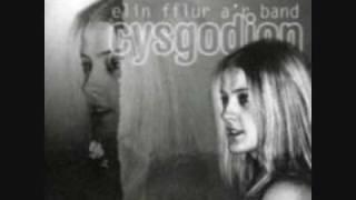 Ar y Ffordd i Nunlle - Elin Fflur (geiriau / lyrics)