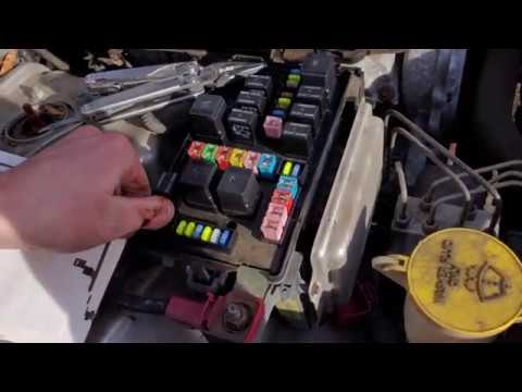 2006 Chrysler 300 Tailight Bulb Replacement, Parking Bulb Fuse & Relay