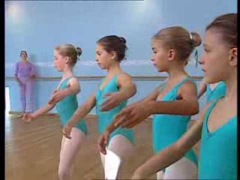 Danse Classique  : Leçon de danse 1ère et 2ème années