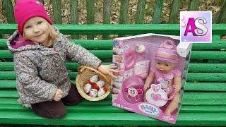 Играем в прятки, ищем яйца киндер сюрприз. Найдет ли Алина беби бона?