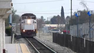SUPER RARE!!!! Reversed Metrolink set blasts through Upland Metrolink